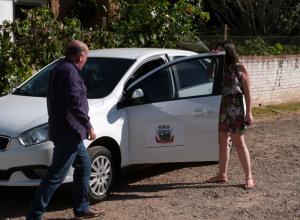 Secretaria Municipal de Saúde de Dilermando de Aguiar recebe carro zero