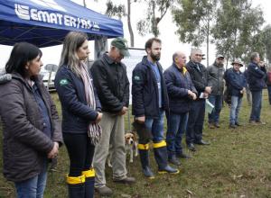 Dia de campo sobre Sistema Silvipastoril reuniu dezenas de pessoas em Dilermando de Aguiar